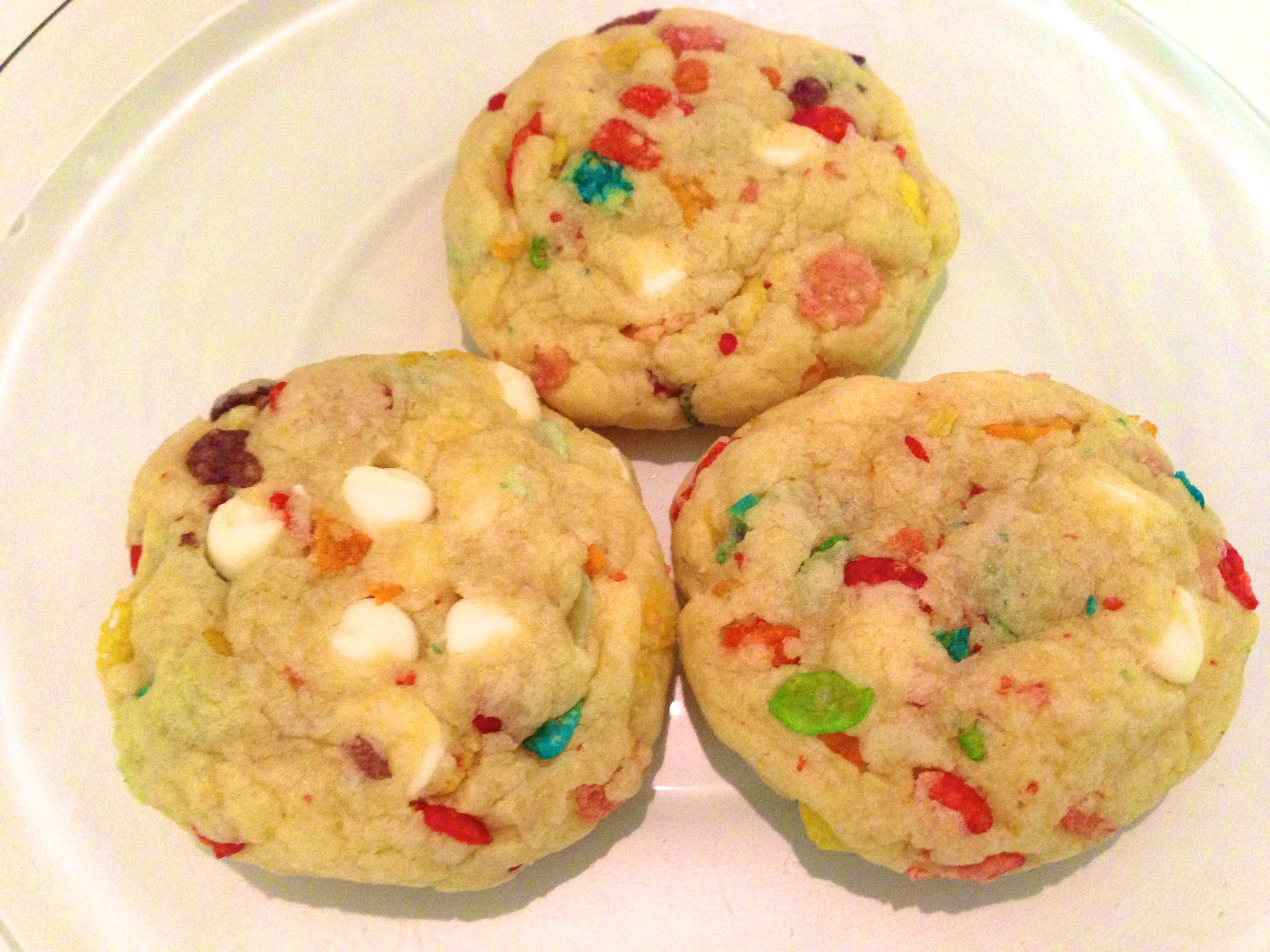 ... : http://www.crazyforcrust.com/2012/10/fruity-pebble-pudding-cookies